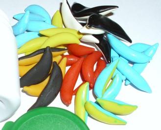 Angelköderkapseln in verschiedenen Farben und Größen